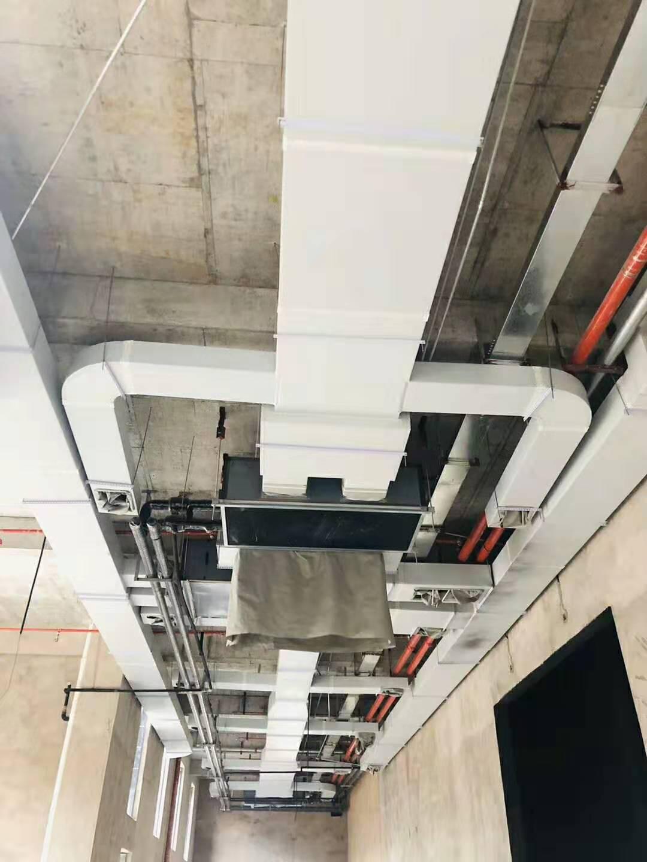 3000风量吊顶式空调机组安装现场